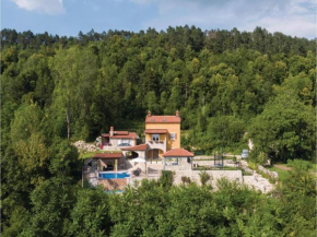 Three-Bedroom Holiday Home in Klenovscak